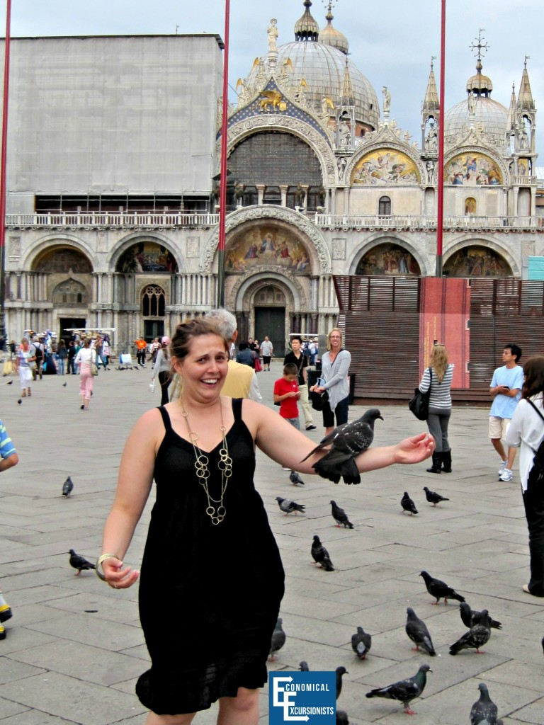 """Just one of the many things you """"HAVE"""" to do while in Venice: Feed the pigeons"""