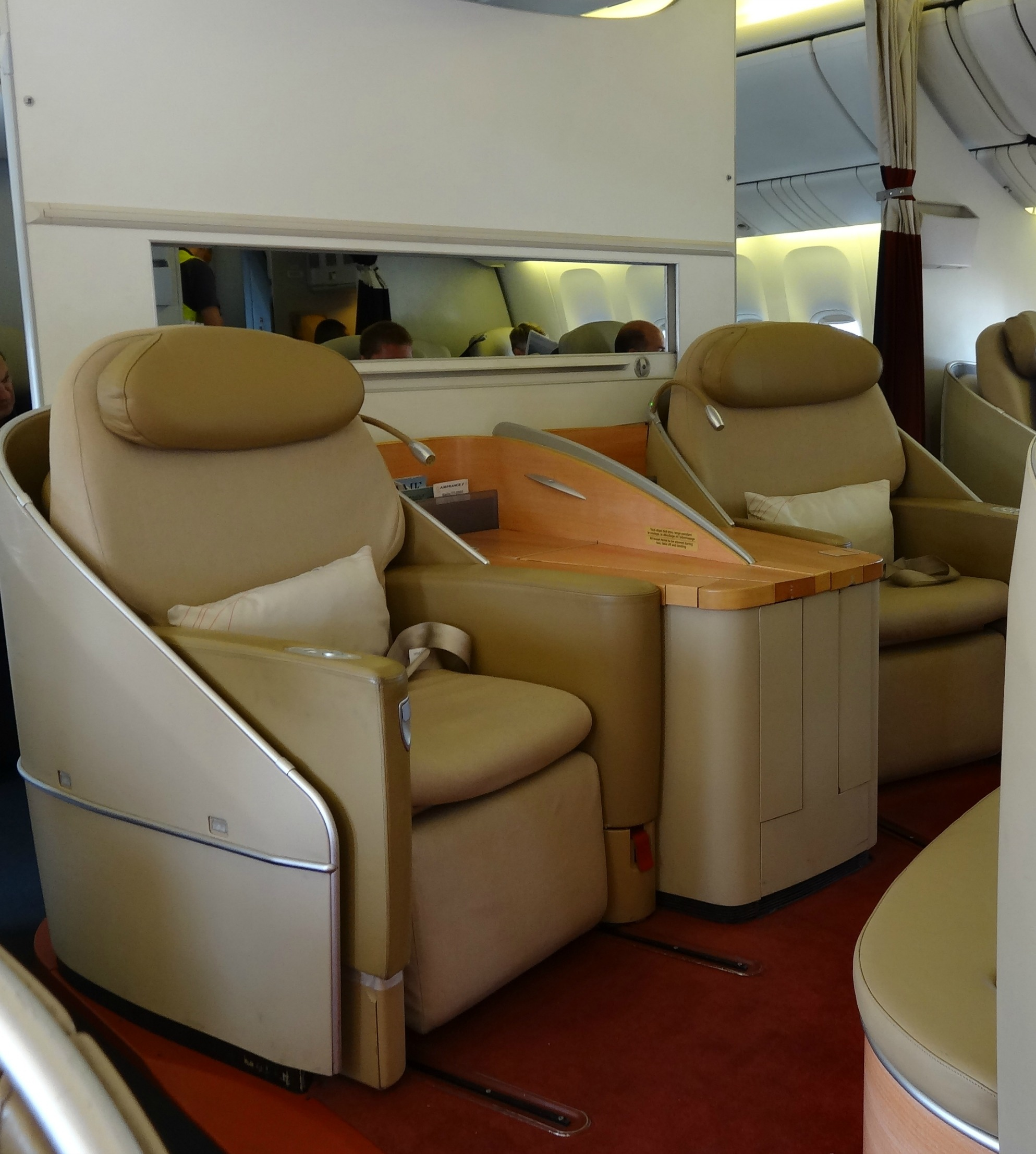 Business Class Airfare: What's the difference?