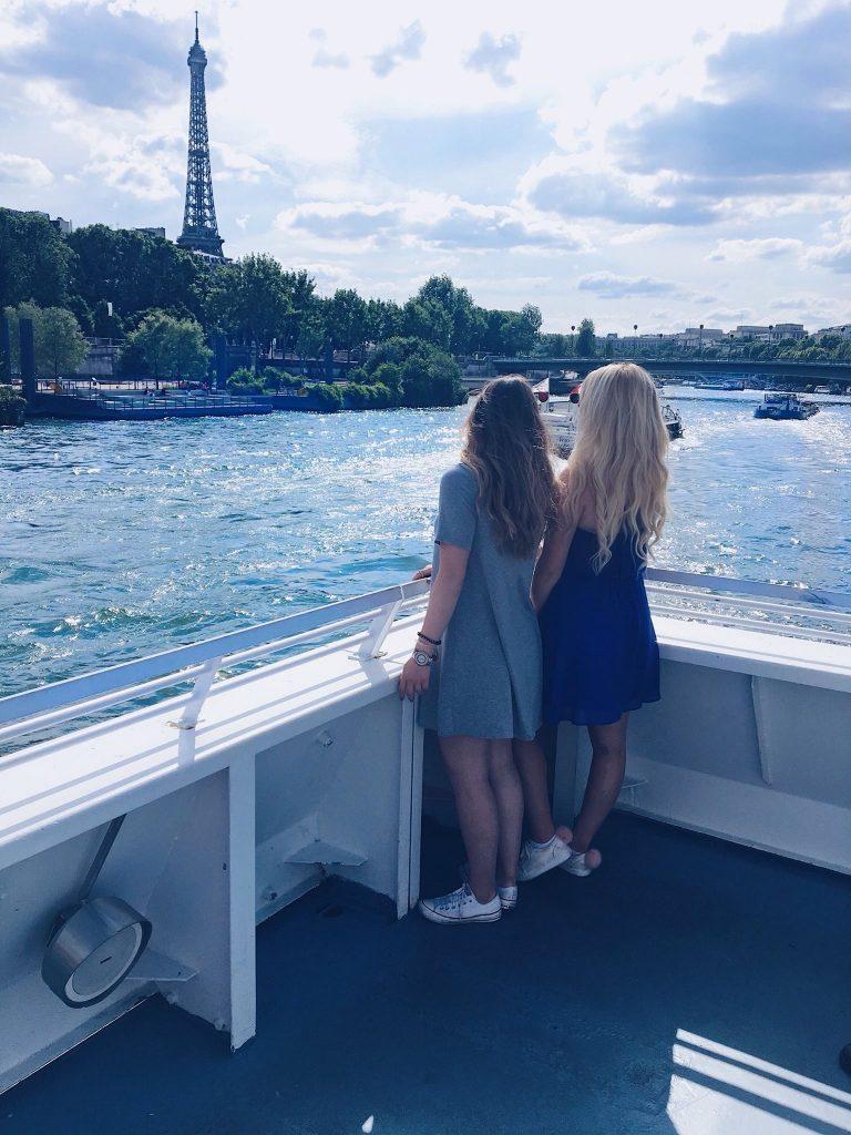 paris tours: seine river cruise