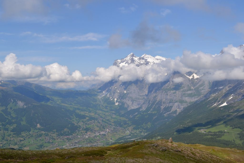 grindelwald to lauterbrunnen valley view while hiking