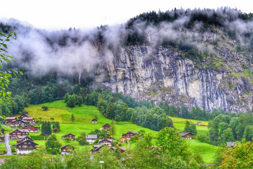 switzerland valley lauterbrunnen