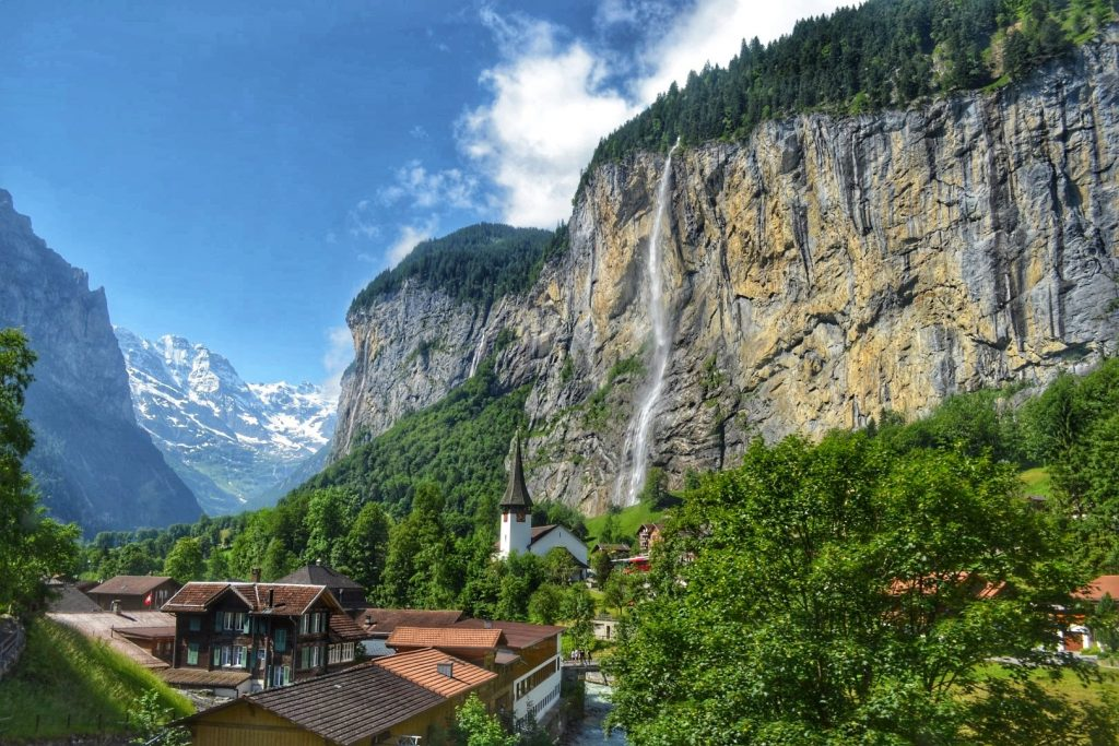 staubbach falls lauterbrunnen